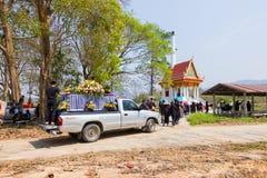 CHIANG RAI, THAILAND - MAART 2: oogst dragende doodskist stock afbeelding