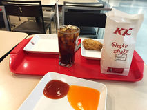 CHIANG RAI THAILAND - OKTOBER 28: Kentucky Fried Chicken Resta arkivbild