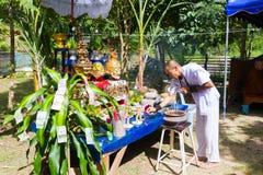CHIANG RAI THAILAND - SEPTEMBER 1: oidentifierad man i traditi Royaltyfria Foton