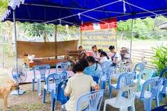 CHIANG RAI THAILAND - SEPTEMBER 1: oidentifierat PA för thai folk Arkivfoto