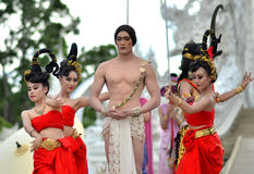 Chiang Raja, Lipiec 24 -:  Wat Rong Khun brać na Lipu 24, 2013.Thai Zdjęcia Stock