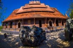 CHIANG RAJA TAJLANDIA, LUTY, - 01, 2018: Piękny plenerowy widok Czarny domu lub Baandam muzeum dachu widok, z Fotografia Royalty Free