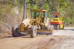 CHIANG RAJA TAJLANDIA, LUTY, - 01, 2018: Plenerowy widok maszyny ciężkie dla sztachetowej budowy drogi w Chiang Mai Zdjęcie Stock
