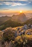Chiangdao as terceiras montanhas as mais altas em Tailândia imagens de stock
