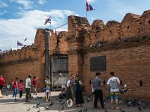 CHIANGMAI - ΤΑΪΛΑΝΔΗ, στις 6 Ιουλίου 2018: Η πύλη Thapae στη κυρία είσοδος στην παλαιά πόλη Chiangmai, αυτή η θέση είναι ο διάσημ στοκ εικόνα