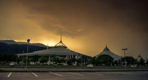CHIANGMAI sierpień 18,2017: Chiang Mai Międzynarodowa wystawa i convention center na zmierzchu dniu Obrazy Stock