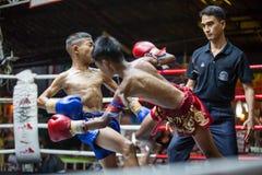 CHIANGMAI TAILÂNDIA 30 DE JULHO: Jogadores não identificados em Muaythai Fotografia de Stock Royalty Free