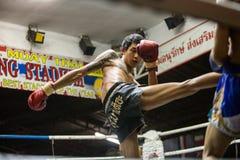 CHIANGMAI TAILÂNDIA 30 DE JULHO: Jogadores não identificados em Muaythai Imagens de Stock