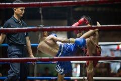 CHIANGMAI TAILÂNDIA 30 DE JULHO: Jogadores não identificados em Muaythai Imagem de Stock