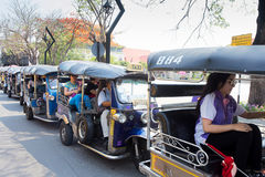 CHIANGMAI, TAILÂNDIA - 8 DE MAIO DE 2016: Chiangmai do táxi de TUKTUK, serviço Foto de Stock