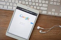 CHIANGMAI, TAILANDIA - 8 de febrero de 2014: Google es un mul americano Fotos de archivo libres de regalías