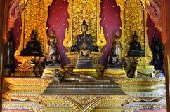 CHIANGMAI, TAILANDIA - 30 DE NOVIEMBRE: Edificio de Wat Chedi Ngam y Imágenes de archivo libres de regalías