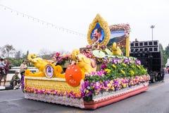 CHIANGMAI, TAILANDIA - 3 FEBBRAIO: Bella donna sulla parata nell'annuale 42th Chiang Mai Flower Festival, il 3 febbraio 2018 Fotografia Stock Libera da Diritti