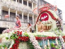 CHIANGMAI, TAILANDIA - 3 FEBBRAIO: Bella donna sulla parata nell'annuale 42th Chiang Mai Flower Festival, il 3 febbraio 2018 Fotografie Stock