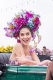 CHIANGMAI, TAILANDIA - 3 FEBBRAIO: Maria Poonlertlarp, sig.na Universe Thailand 2017 nell'annuale 42th Chiang Mai Flower Festival Fotografia Stock