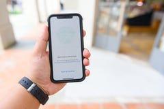 CHIANGMAI TAJLANDIA, JAN, - 08,2018: Brandnew Jabłczany iphone X obraz stock