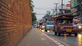CHIANGMAI, TAJLANDIA, Sierpień 6 2017: Thapae brama w głównym wejściu stary miasto Chiangmai Ten miejsce jest sławnym turystą prz Zdjęcie Stock
