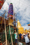 CHIANGMAI-THAILAND; 9月05,2014;加入宗教仪式节日的许多人民 图库摄影