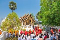 CHIANGMAI THAILAND-APRIL 15: Den Songkran festivalen är firat I Arkivbild