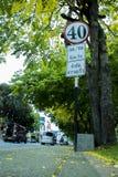 CHIANGMAI, THAILAND-APRIL 30,2019: Verkehrszeichen herein die alte Stadt von chiangmai lizenzfreies stockbild