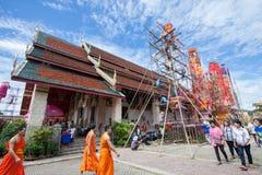 CHIANGMAI-THAILAND; En septiembre 05,2014; Mucha gente para unirse a festival de la ceremonia religiosa Fotografía de archivo
