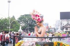 CHIANGMAI THAILAND - FEBRUARI 3: Härliga kvinnor på ståta i ettåriga växten 42. Chiang Mai Flower Festival, på Februari 3, 2018 i Royaltyfria Bilder
