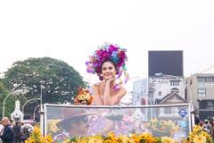 CHIANGMAI THAILAND - FEBRUARI 3: Maria Poonlertlarp fröcken Universe Thailand 2017 i ettåriga växten 42. Chiang Mai Flower Festiv Arkivfoton