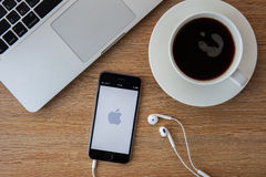 CHIANGMAI, THAILAND - FEBRUARI 5, 2015: Nieuwe iPhone 6 is een smartp Royalty-vrije Stock Foto
