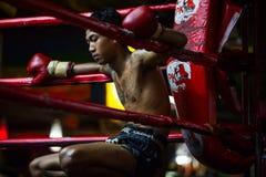 CHIANGMAI, THAILAND - JULI 30: De niet geïdentificeerde Thaise vechters c van Muay Stock Foto's