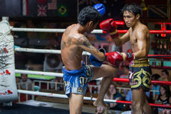 CHIANGMAI THAILAND 30 JULI: Niet geïdentificeerde spelers in Muaythai stock foto's