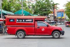 CHIANGMAI, THAILAND - 29 JUNI, 2014: Warorotmarkt, plaatselijk calle stock afbeeldingen