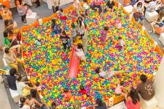 CHIANGMAI, THAILAND - 18. Mai 2014; Kinder, die auf colorf spielen Stockfoto