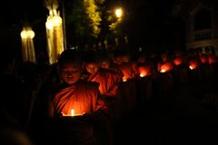 CHIANGMAI THAILAND - 12. NOVEMBER: Loy Krathong-Festival, feiern das Loy Krathong-Festival am 12. November 2014 in Chiangmai, stockbild