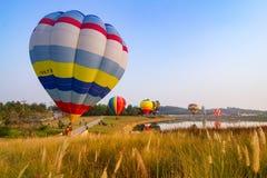 CHIANGRAI, ТАИЛАНД - 13-ое февраля: Международная фиеста 2016 воздушного шара, 13-ое февраля 2016 в парке Singha, CHIANGRAI, ТАИЛ Стоковые Изображения RF