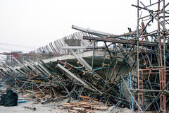 ChiangRai Tailândia - 24 de fevereiro: A ponte era corrimento construído causado por muitos fatores Fotografia de Stock Royalty Free
