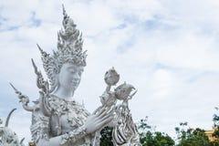 Chiangrai, Tailandia - 1° settembre 2018: Wat Rong Khun White Temple è uno della maggior parte della visita favorita dei turisti  immagine stock