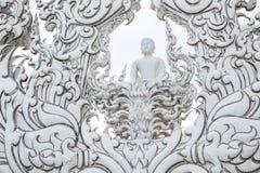 Chiangrai, Tailandia - 1° settembre 2018: Wat Rong Khun White Temple è uno della maggior parte della visita favorita dei turisti  fotografia stock
