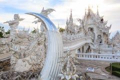 Chiangrai, Tailandia - 1° settembre 2018: Wat Rong Khun White Temple è uno della maggior parte della visita favorita dei turisti  immagini stock libere da diritti