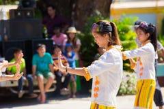 CHIANGRAI - TAJLANDIA LISTOPAD 21: Niezidentyfikowany Tai Lue kobiet eth Zdjęcia Royalty Free