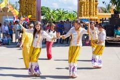 CHIANGRAI - TAJLANDIA LISTOPAD 21: Niezidentyfikowany Tai Lue kobiet eth Fotografia Stock
