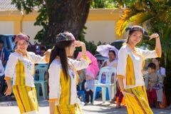 CHIANGRAI - TAJLANDIA LISTOPAD 21: Niezidentyfikowany Tai Lue kobiet eth Fotografia Royalty Free