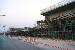 ChiangRai Thailand - 24 Februari: De brug was gebouwde die grondverschuiving door vele factoren wordt veroorzaakt Stock Fotografie