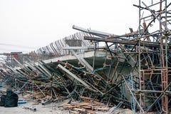 ChiangRai Thailand - 24 Februari: De brug was gebouwde die grondverschuiving door vele factoren wordt veroorzaakt Royalty-vrije Stock Fotografie