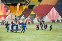 CHIANGRAI, THAILAND - FEBRUARI 15, 2016: Hete klaar luchtballons Royalty-vrije Stock Foto
