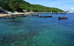 Chiara acqua in Koh Tao Island Fotografia Stock