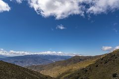 Chiarezza del cielo nell'alta montagna fotografia stock