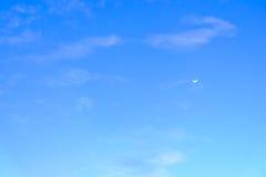 Chiari cielo e luna Fotografie Stock