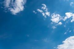 Chiaro cielo blu piacevole Fotografia Stock