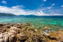 Chiaro cielo della radura del mare Fotografia Stock