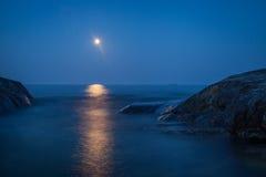 Chiaro di luna sopra il Mar Baltico Fotografie Stock Libere da Diritti